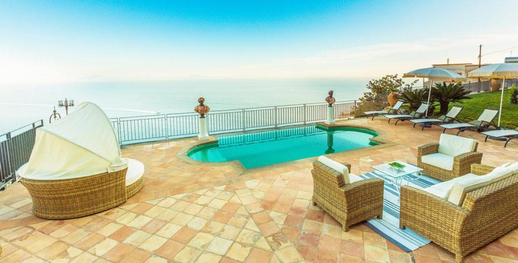 Property Image 1 - Intimate Villa Hideaway with Panoramic Pool in Praiano