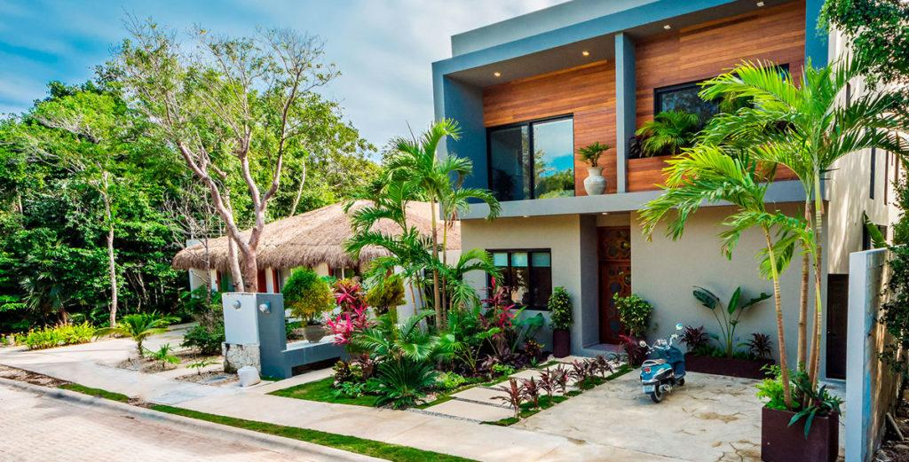 Property Image 2 - Spacious Tropical Villa with Multipurpose Living Area