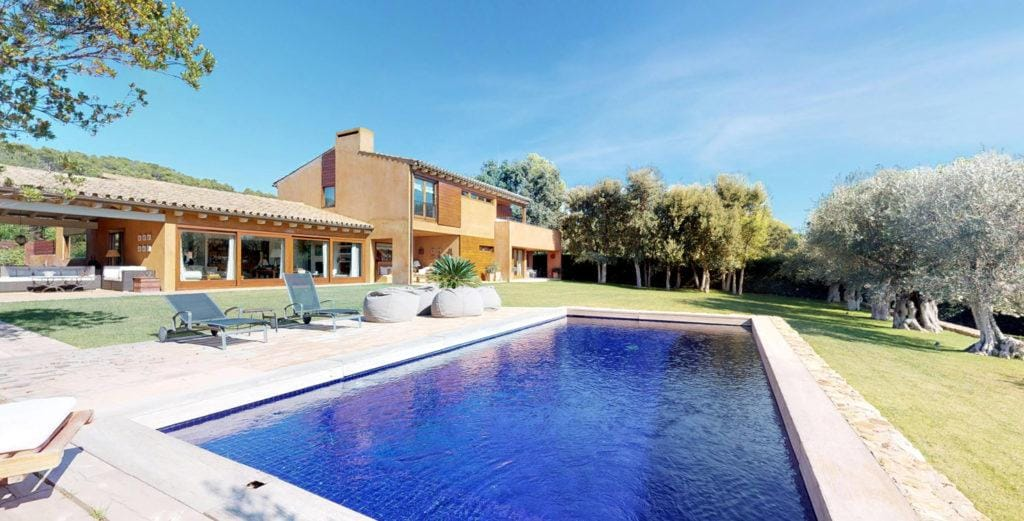 Property Image 1 - Spanish Countryside Villa with Large Garden