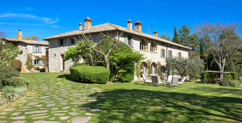 Property Image 1 - Striking Country Home on Expansive Estate in the Val d'Orcia Region