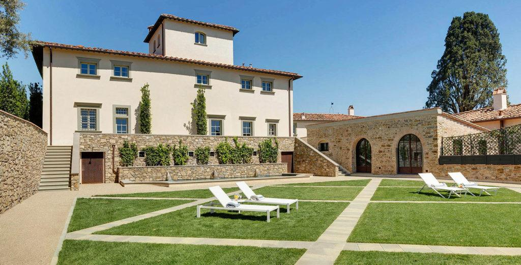 Magnificent Historical Villa Ideal for Large Groups Near Florence