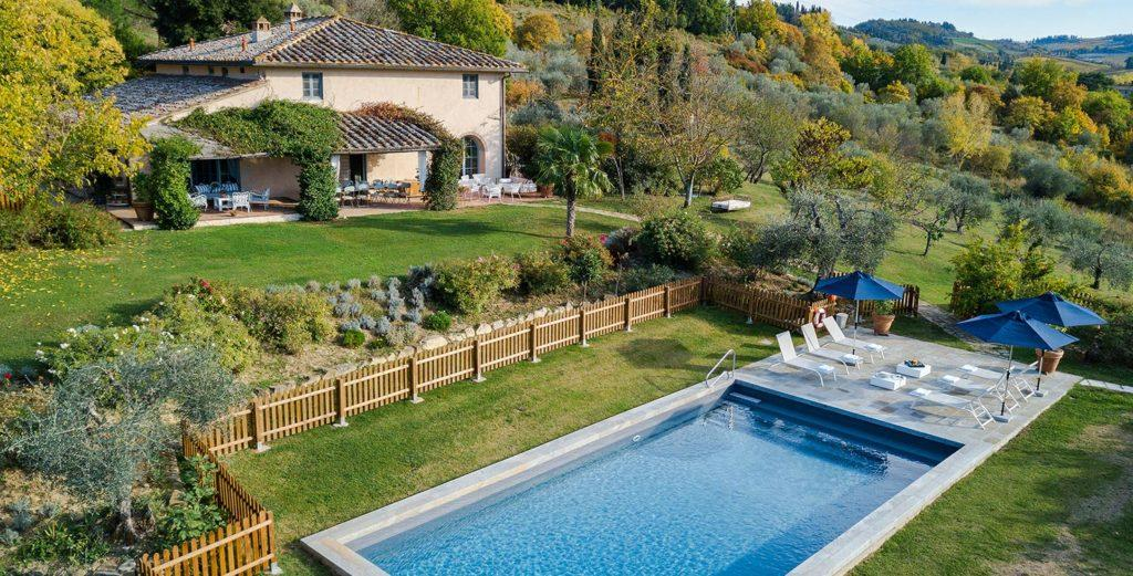 Beautifully Decorated Country Farmhouse Tucked in Chianti