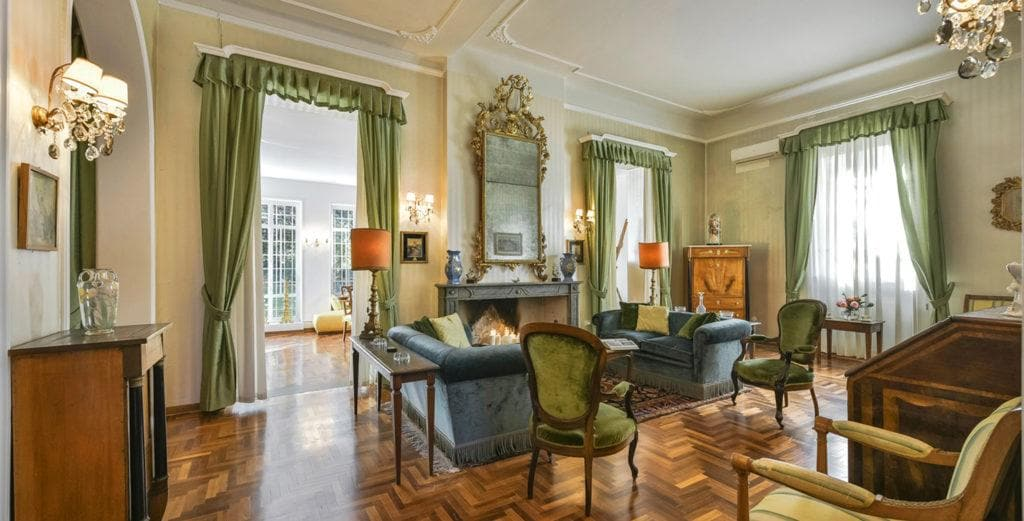 Tastefully-Restored 19th Century Villa Set in Private Park