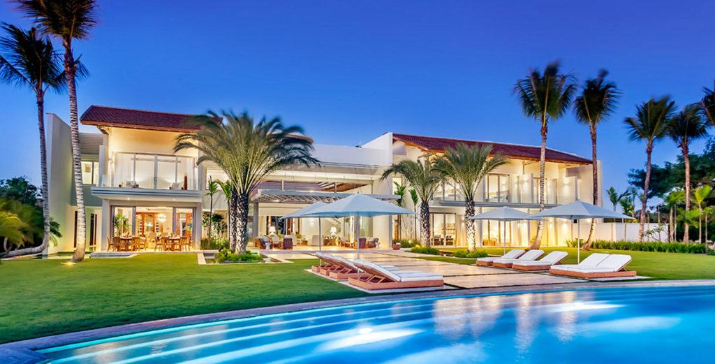 Property Image 2 - Stunning three-story ocean front villa