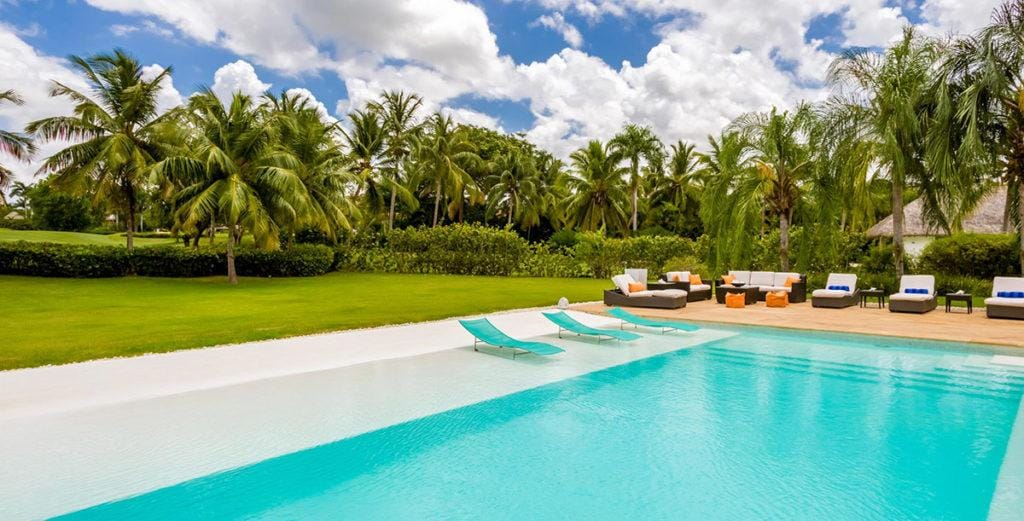 Property Image 2 - Spacious Modern Villa with Private Beach