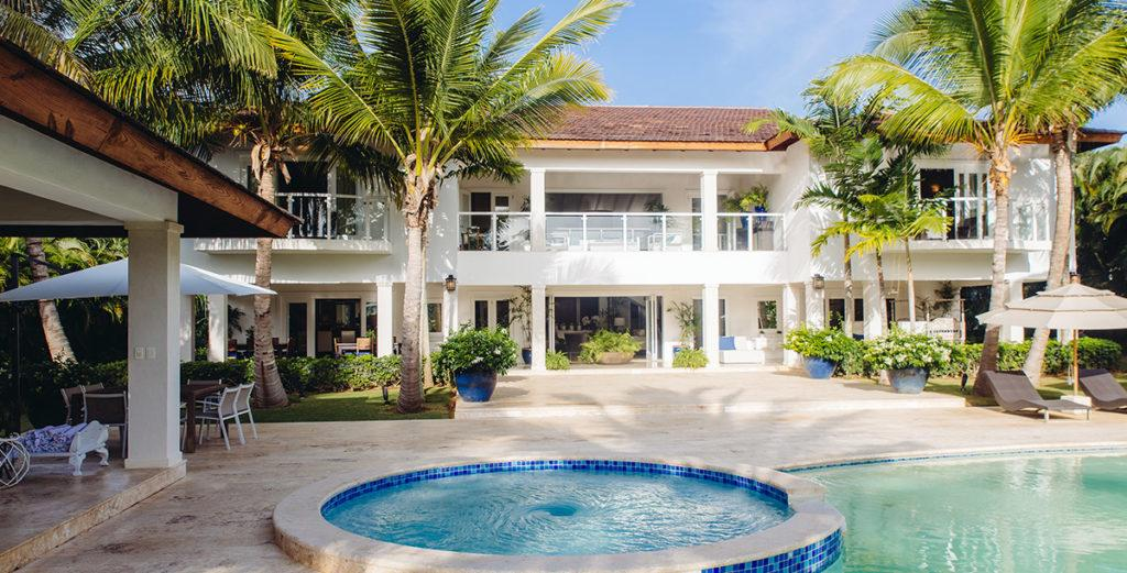 Property Image 2 - Tropical Island Villa with Large Pool Terrace and Golf Course