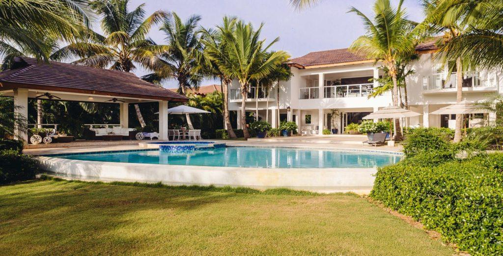 Property Image 1 - Tropical Island Villa with Large Pool Terrace and Golf Course