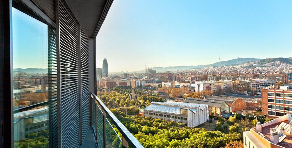 Property Image 2 - Well-Appointed Barcelona Penthouse Apartment with Spacious Living Area