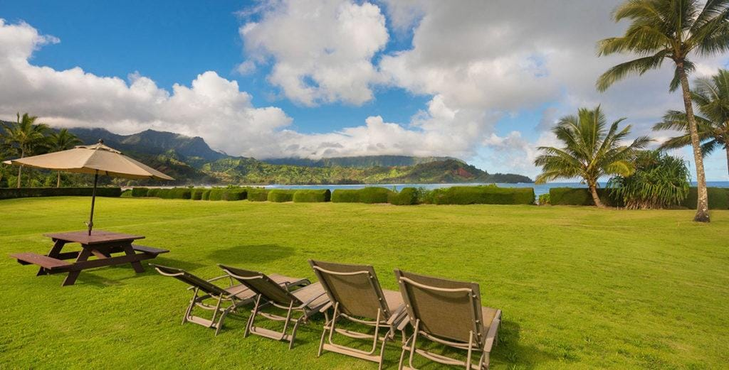 Beachfront Oasis on Hanalei Bay with Manicured Lawn