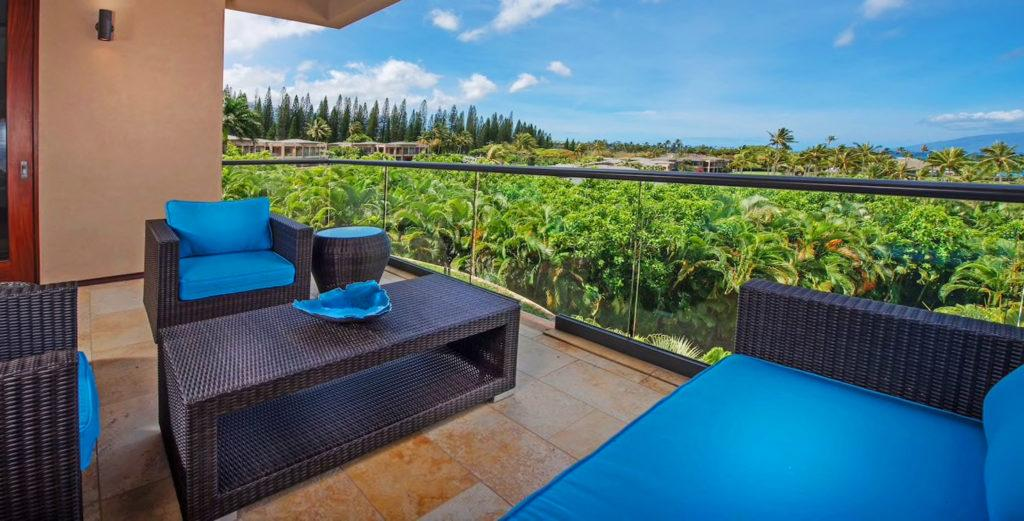 Superb, Spacious Accommodations Steps from Kapalua Bay Beach
