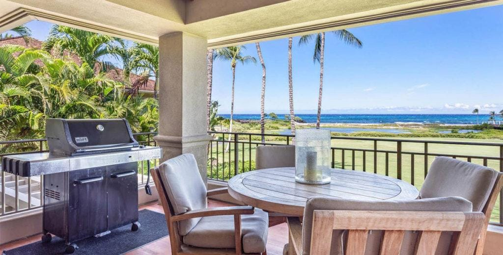 Beautifully-Appointed Villa with Ocean-View Lanai in Aina Haina