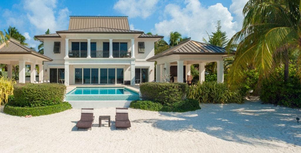 Elegant Seaside Villa with Wow Factor in Cayman Kai
