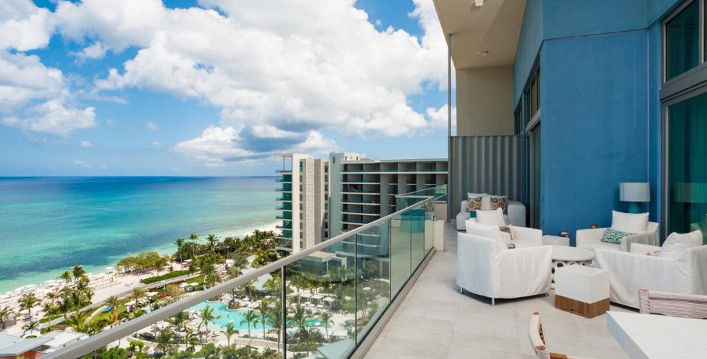 Stunning Sky-High Penthouse with Resort Access on Seven Mile Beach