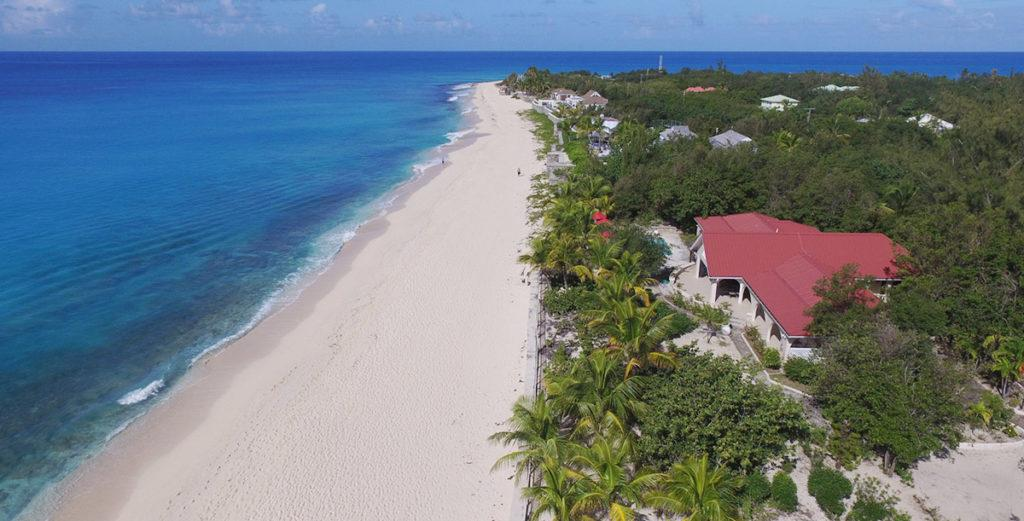 Wonderful West Indian-Style Villa on White Sands of Baie Longue