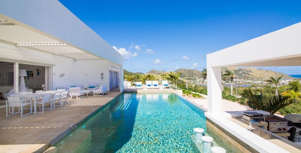 Modern, Spacious Villa with Stunning Views of Orient Bay