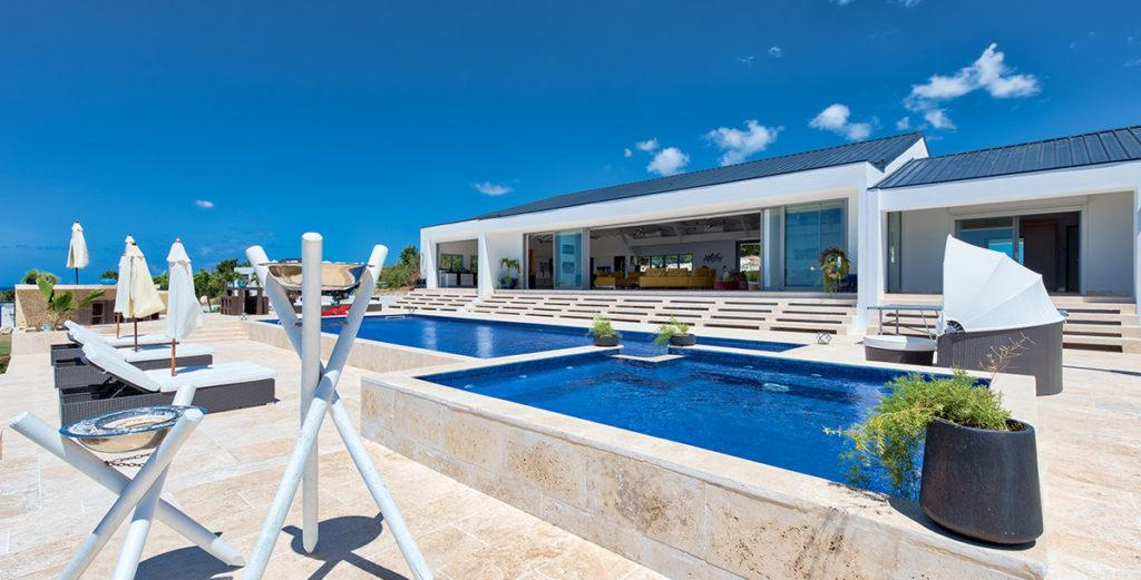 Property Image 2 - Magnificent, Newly-Built Villa with Superb Sea Views in Terres Basses