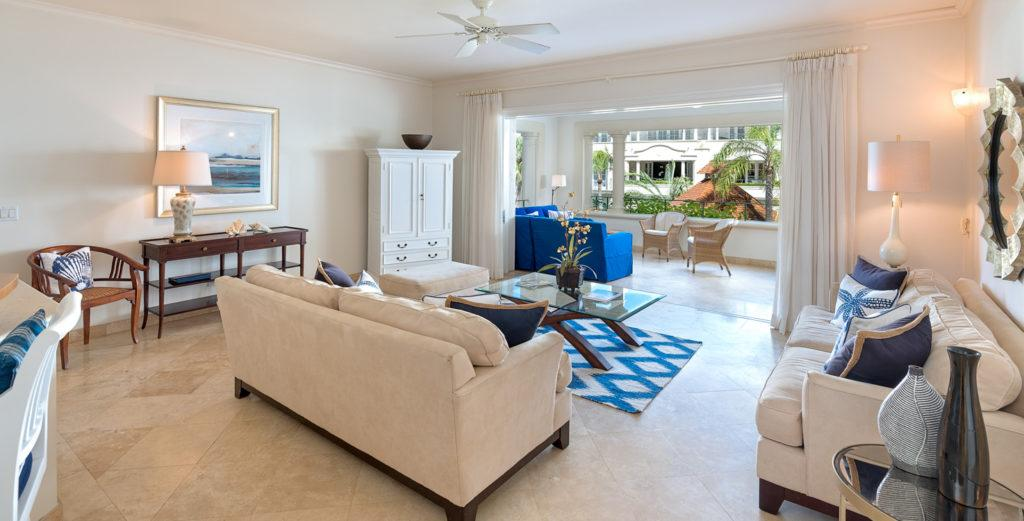 Refined Condo with Pool And Beach Access