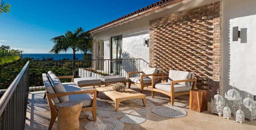 Deluxe Sandy Lane Villa Offering Golf Fairway Views and Gated Privacy