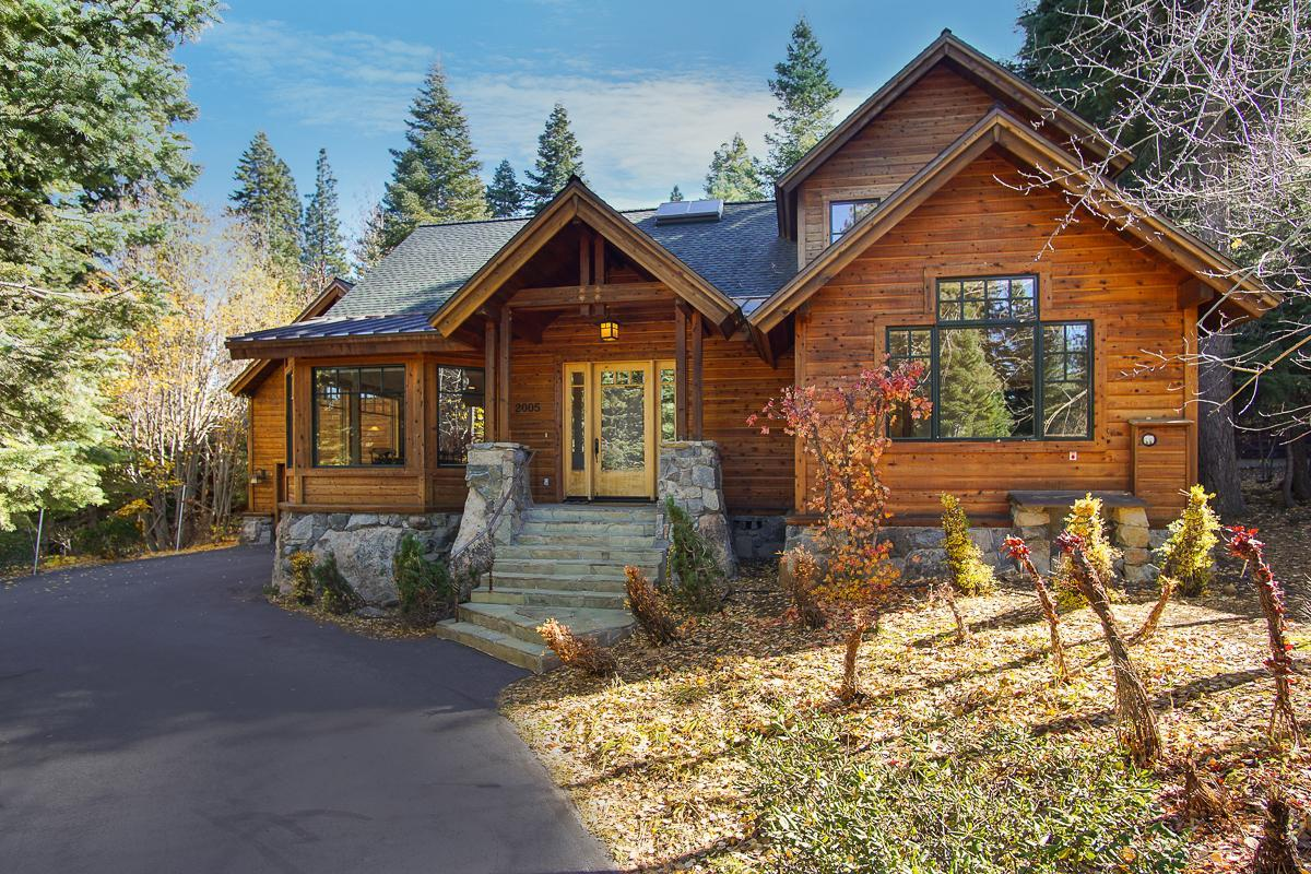 Custom-Built Log Home with Pool and Hot Tub Access
