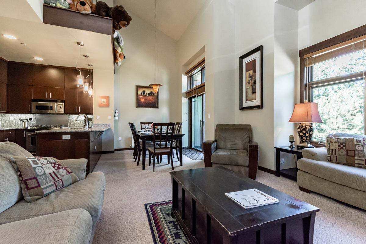 Boldly Decorated Snowcreek Condo with Mountain Views