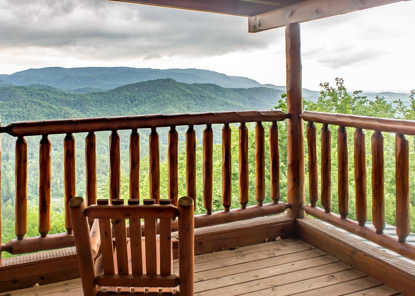 Property Image 2 - Cozy Mountainside Cabin with Hot Tub and Viewing Deck