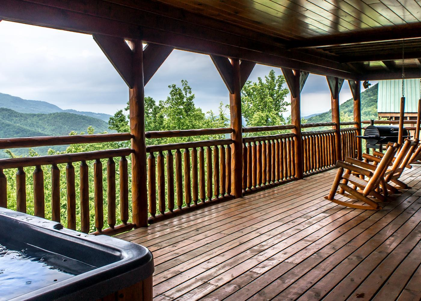 Property Image 1 - Cozy Mountainside Cabin with Hot Tub and Viewing Deck