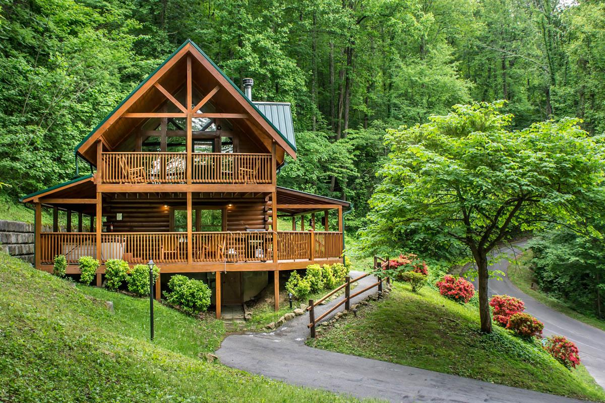 Property Image 1 - Rustic Log Cabin Near Lush Forest with Viewing Deck