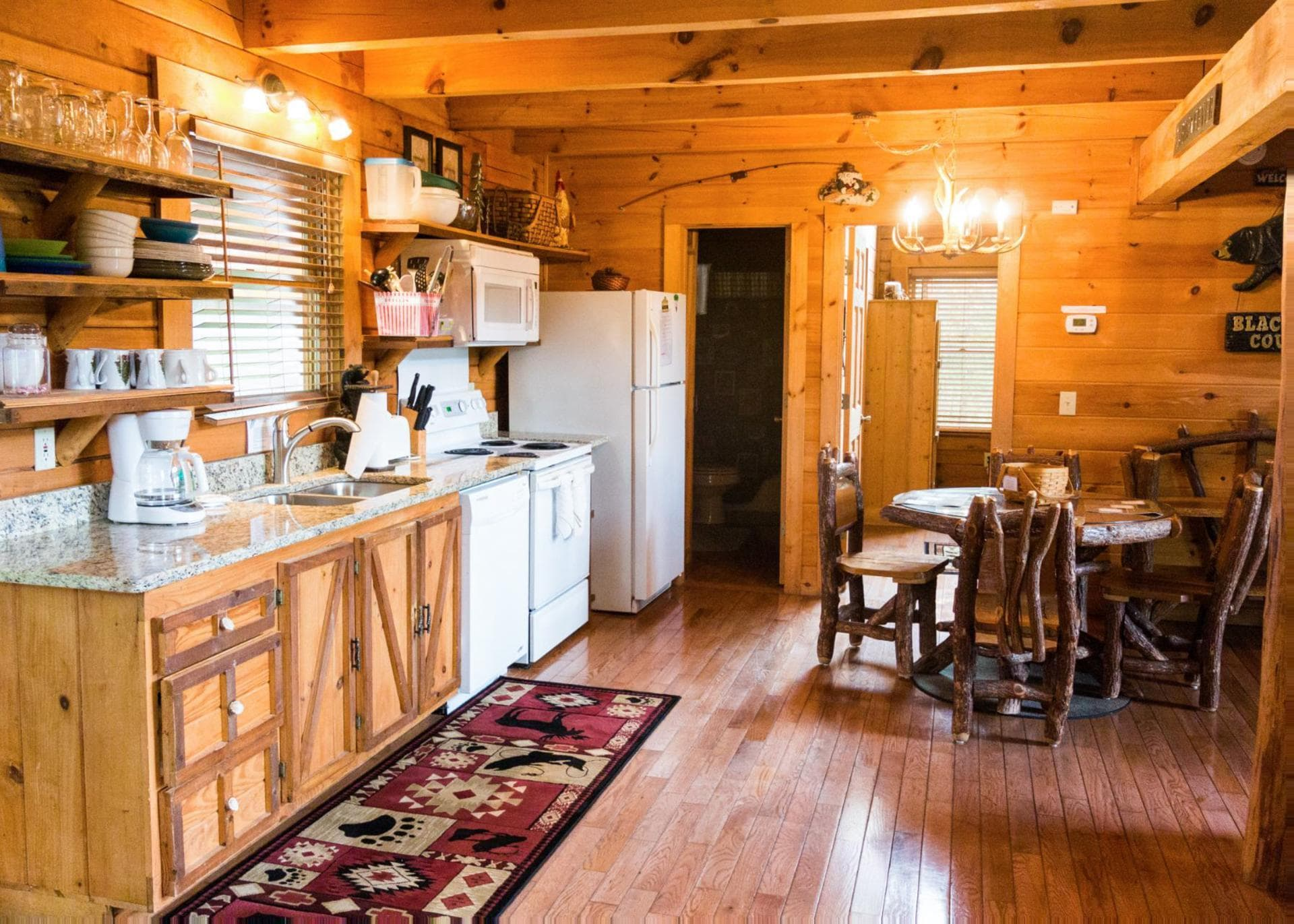 Cozy Pet-Friendly Cabin with Riverside View