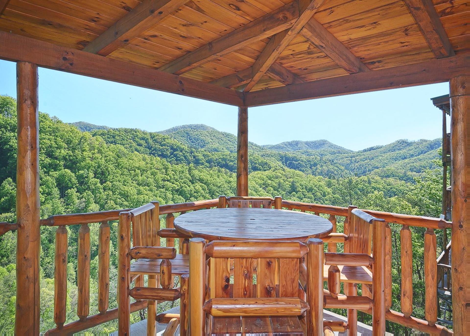Property Image 2 - Classic Mountainside Cabin Perfect for Entertaining