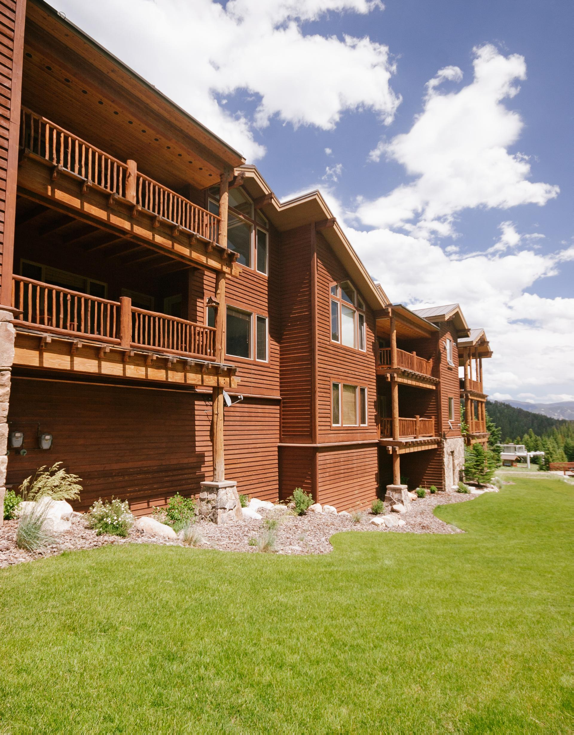 Stylish Mountain Village Condo with Ski Access
