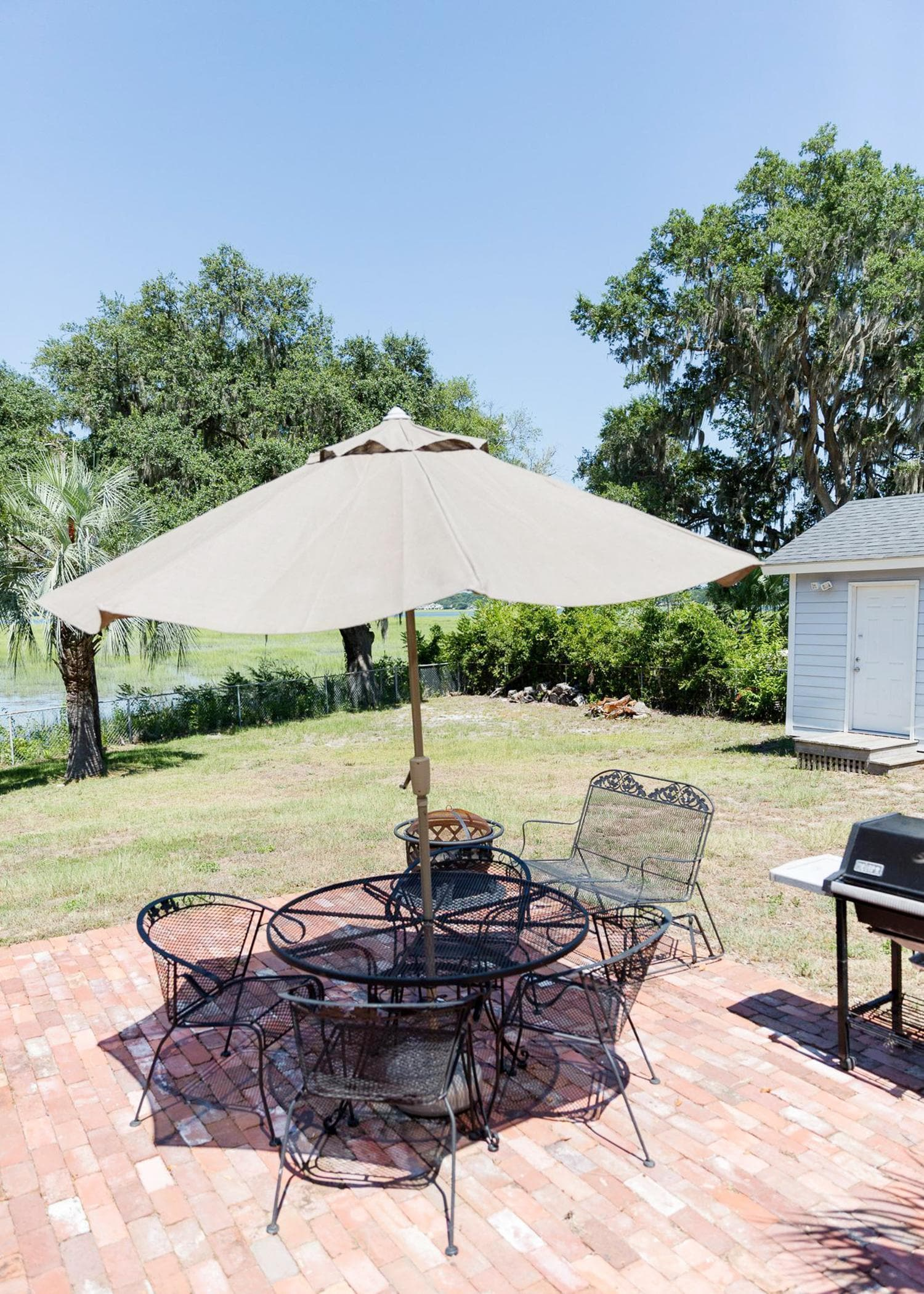 Pet-Friendly Bungalow with Private Pool and Fire Pit