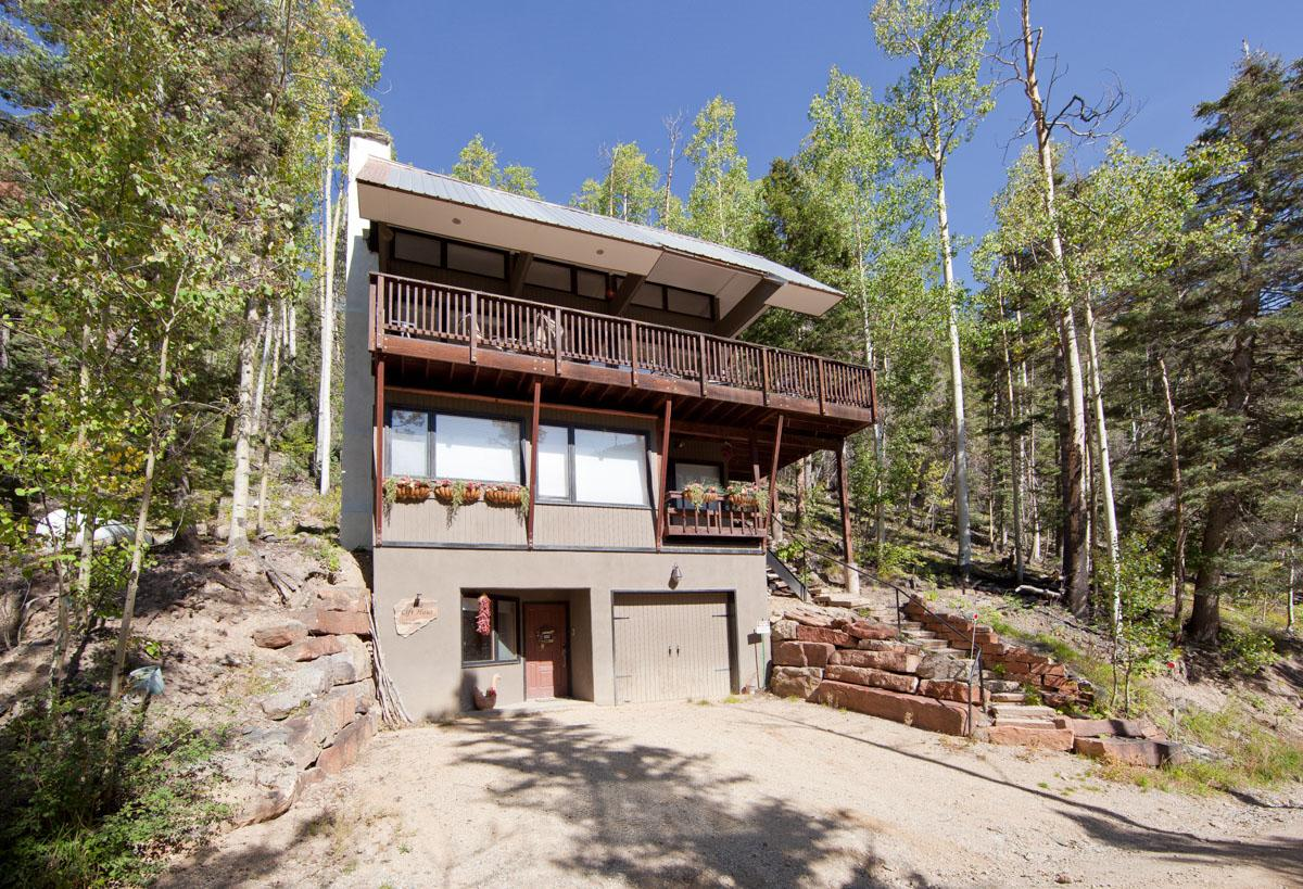 Property Image 1 - Stylish Chalet with Panoramic View and Private Elevator