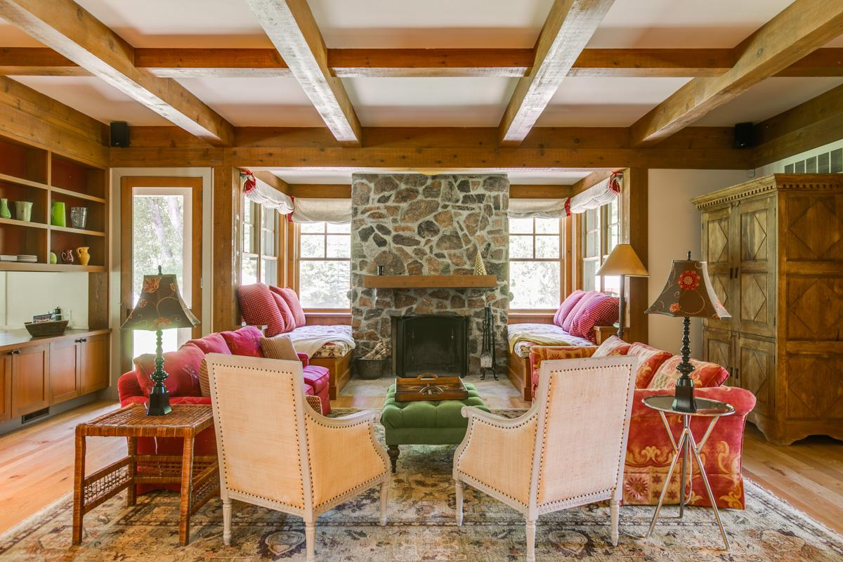 Quiet, East Fork Estate on 35 Acres with Cheerful Decor