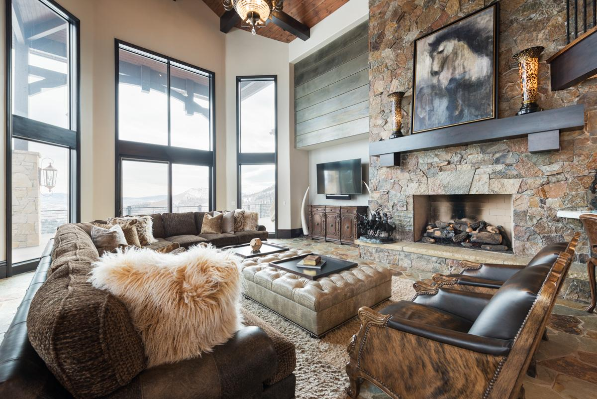Posh Chalet on Private Ski Run with Oversized Hot Tub
