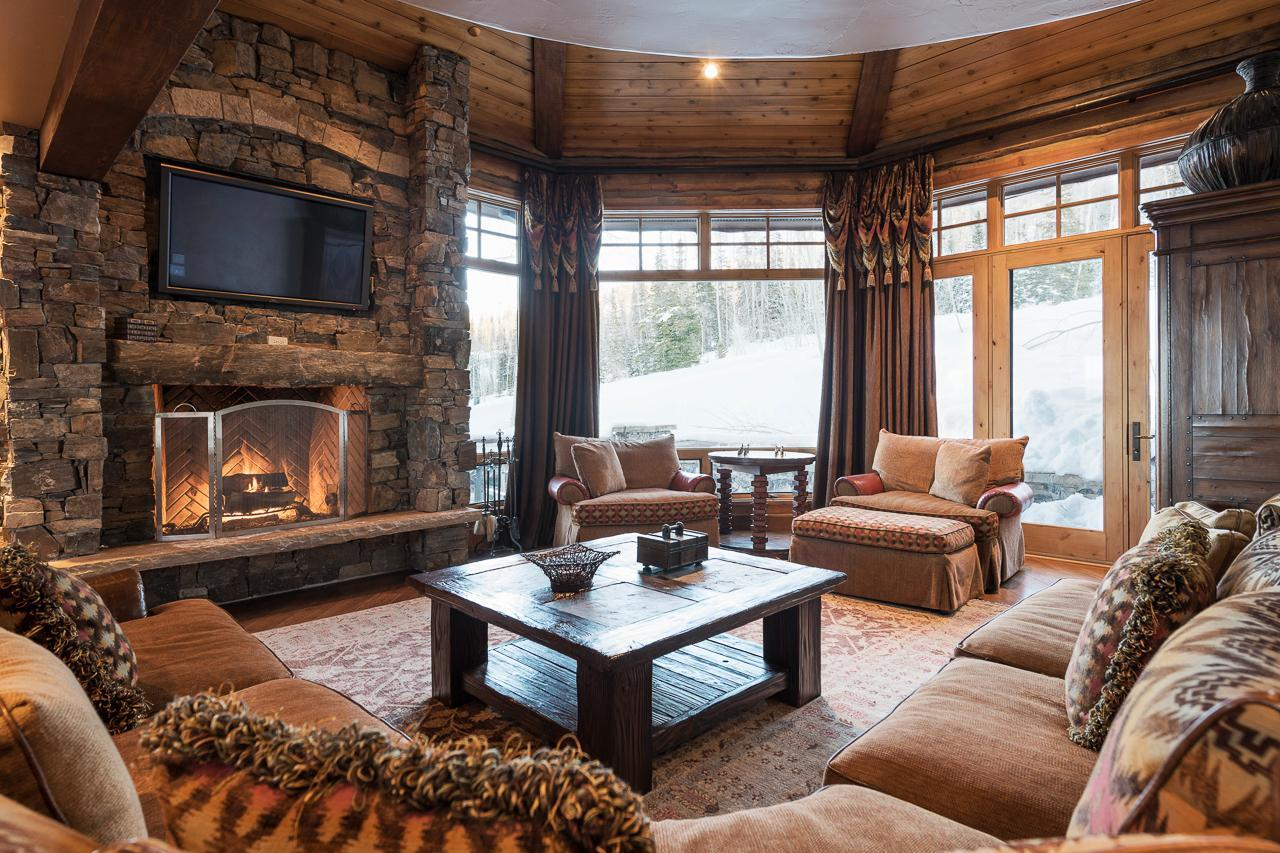 Slopeside Chalet with Hot Tub, Fire Pit and Theater