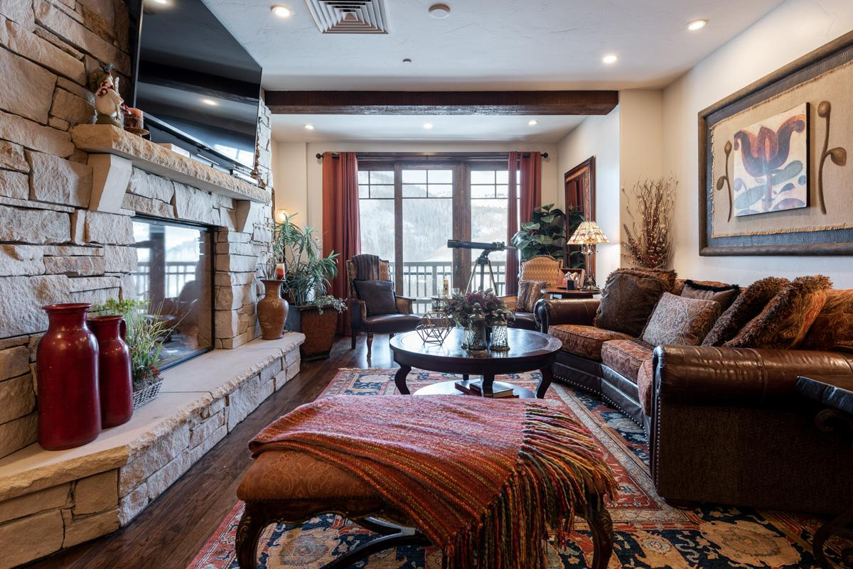 Property Image 2 - Luxe Ski-in, Ski-out Condo with Oversized Hot Tub