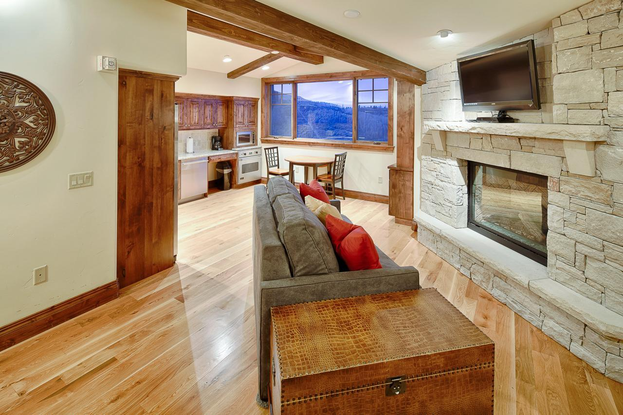Slopeside Condo with Two Fireplaces and Big Views