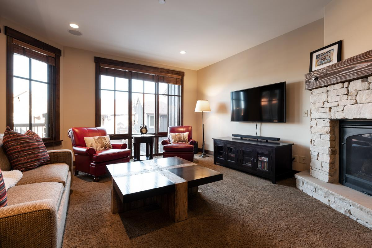 Property Image 2 - Cheerful, Slopeside Townhome with Hot Tub Access