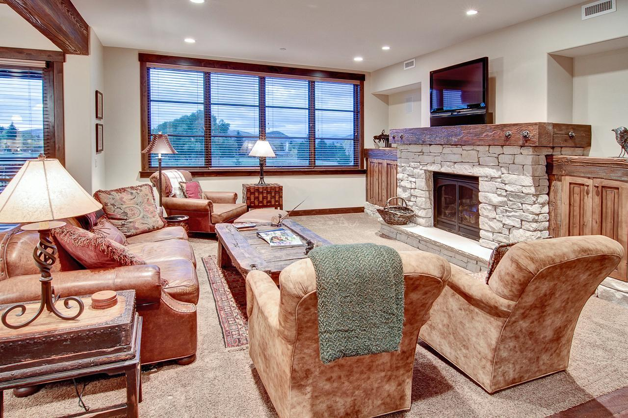 Property Image 1 - Slopeside Condo with Golf Course Views and Bunk Room