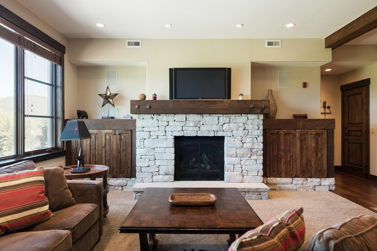 Property Image 2 - Mod, Slopeside Condo with Golf Course Views and Spa