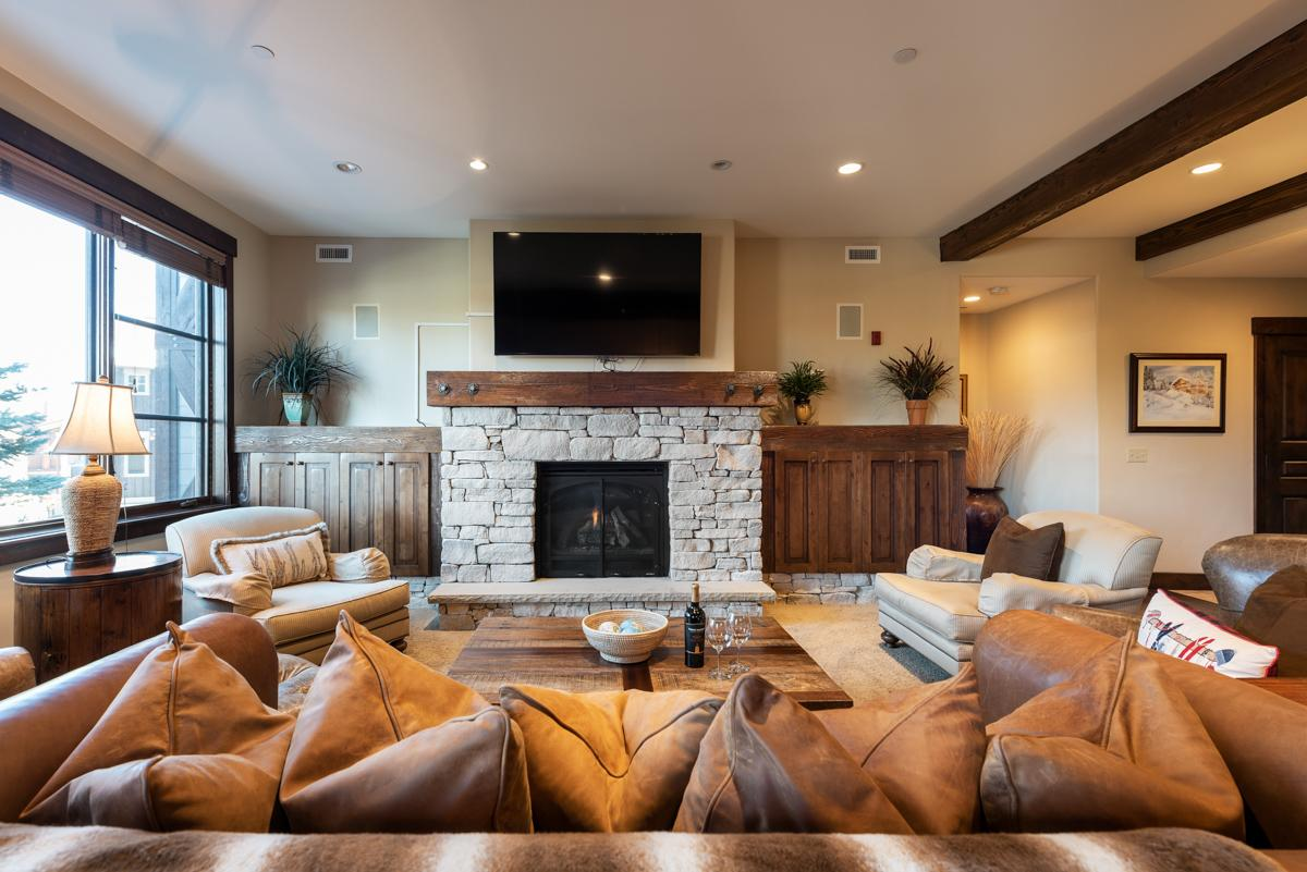 Property Image 2 - Inviting Ski Condo Steps from Onsite Chairlift with Spa