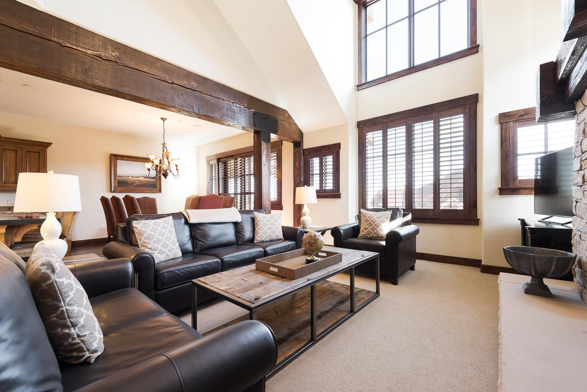 Property Image 1 - Sumptuous Cottage with Ski Access and Modern Decor
