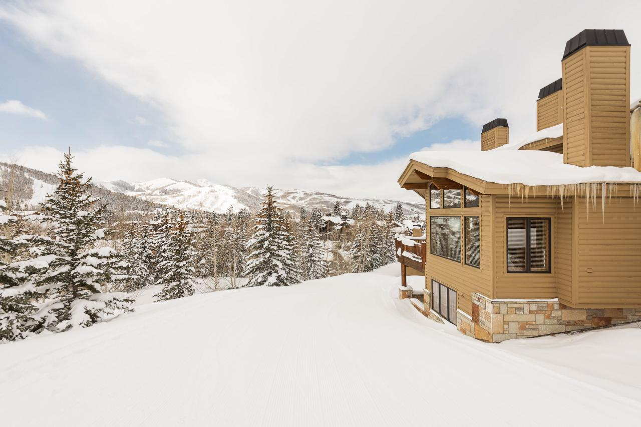Property Image 1 - Ski-in, Ski-out Townhome with Modern Decor and Views
