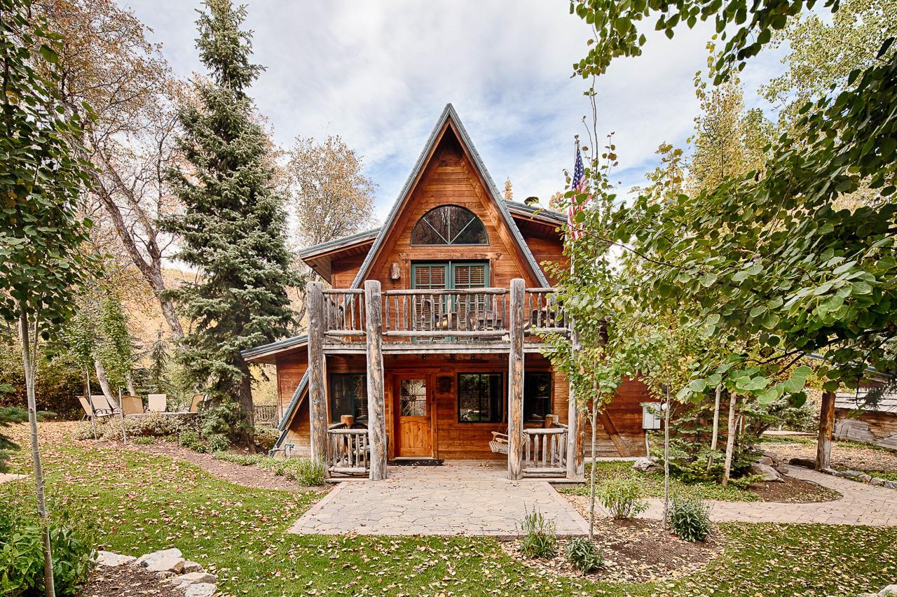 Property Image 1 - Charming Sundance Resort Cabin with Outdoor Fireplace
