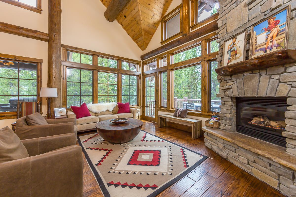 Property Image 1 - Upscale Spanish Peaks Cabin with Private Club Amenities