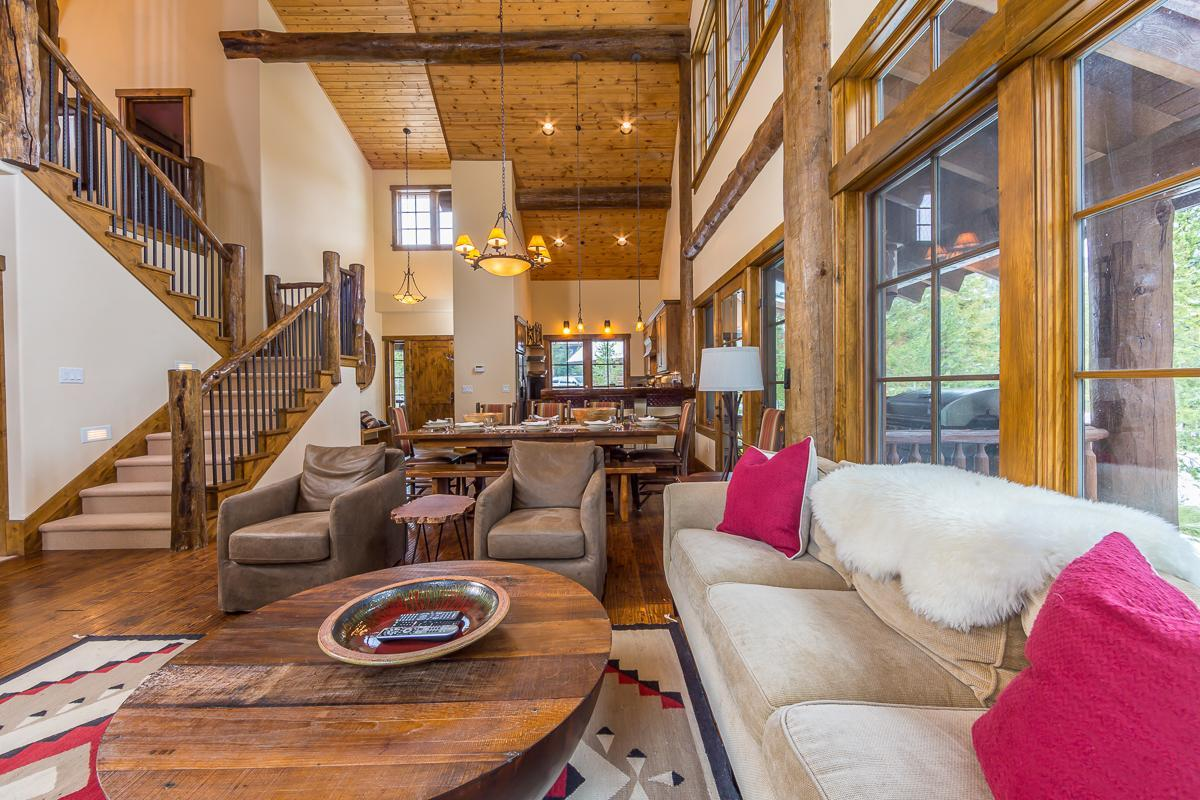 Property Image 2 - Upscale Spanish Peaks Cabin with Private Club Amenities