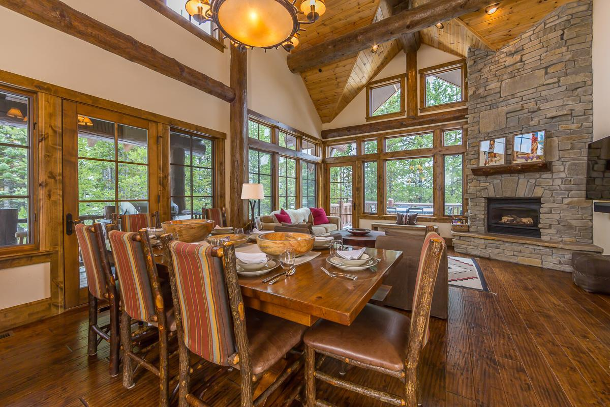 Upscale Spanish Peaks Cabin with Private Club Amenities