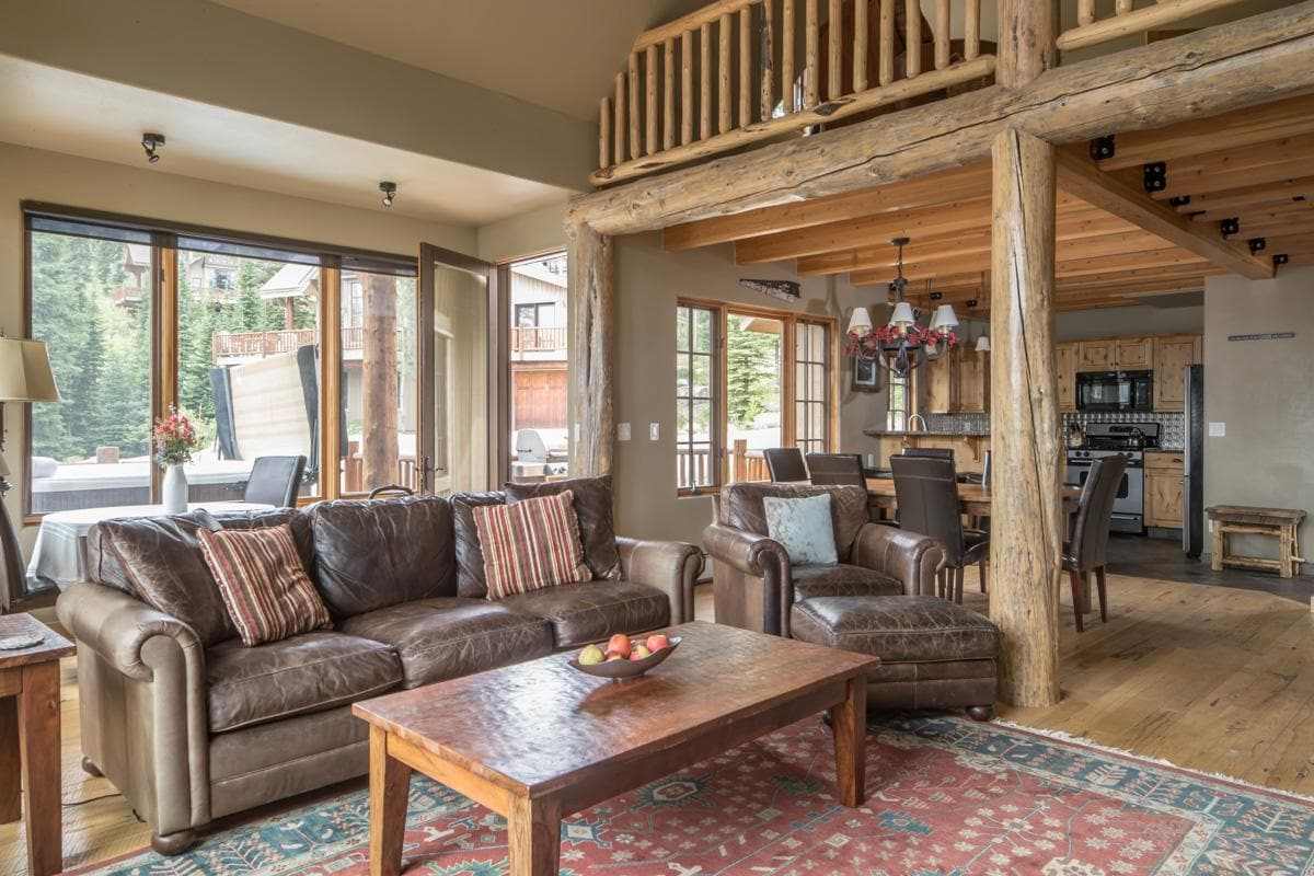 Family-Friendly Moonlight Basin Home with Ski Access