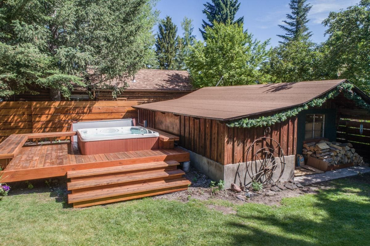 Contemporary Home in downtown Ketchum with private hot tub