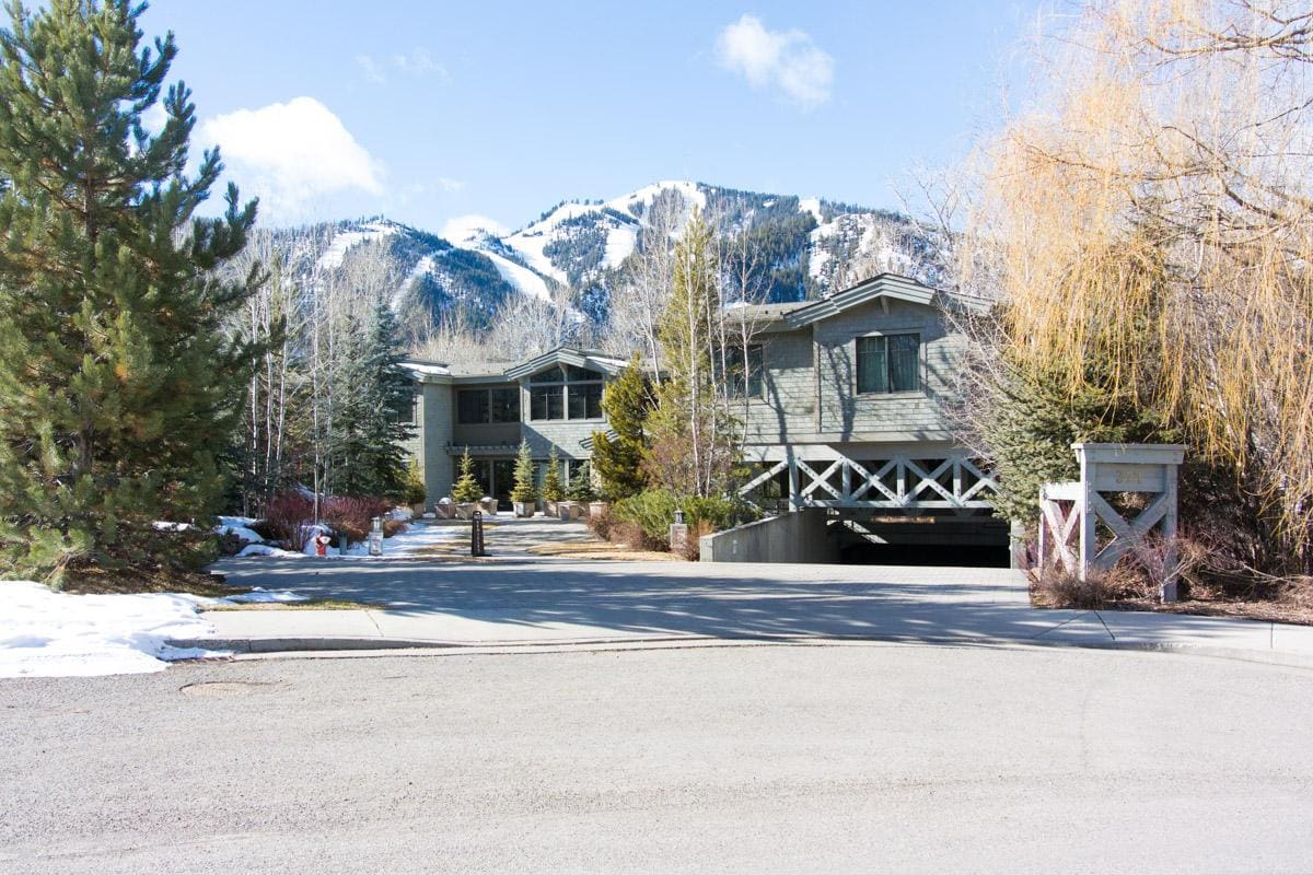 Creekside Condo in Downtown Ketchum with Private Deck